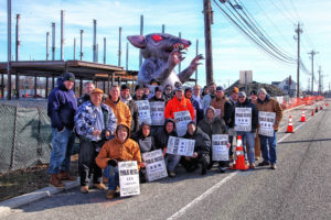 A 9455 300x200 - Unions protest non-union workers at former site of Olga's Diner